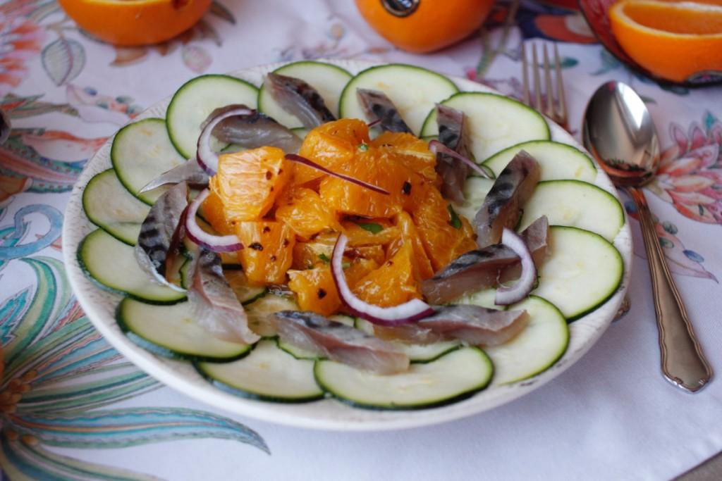 Ensalada de naranja aliñada y jurel