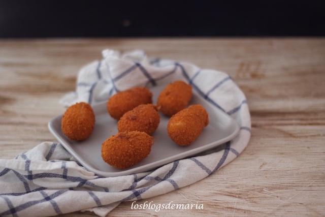 Croquetas de patatas y langostinos