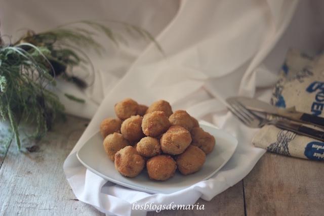 Bolitas de gorgonzola y nueces