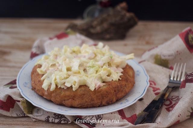 Tortilla con ensalada de pollo