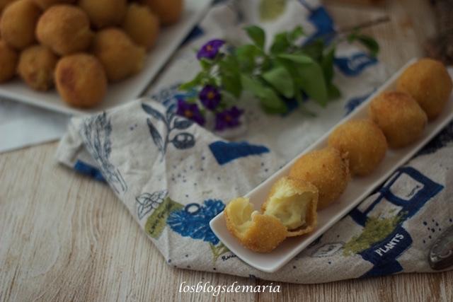 Bolas de patatas con queso y semillas surtidas