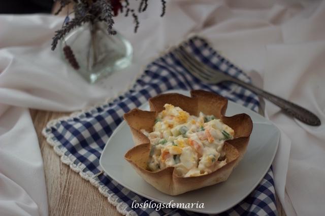 Ensaladilla rusa individuales en tortas de trigo