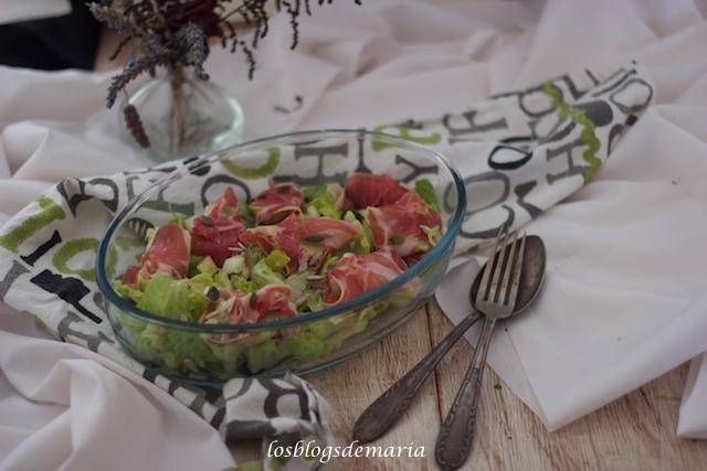Ensalada con alcachofas y jamón