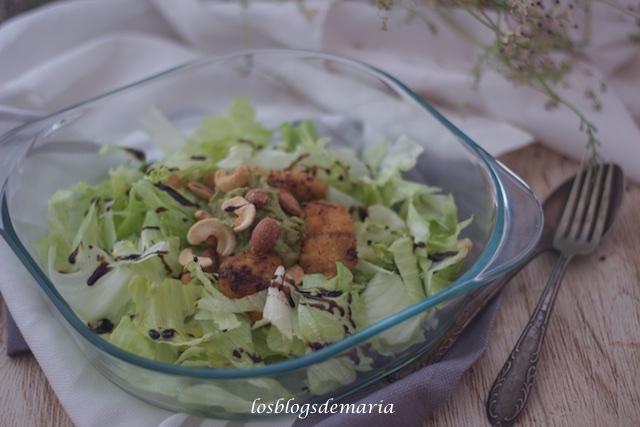 Ensalada de pollo y frutos secos