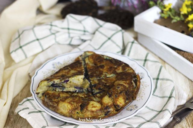Tortilla de patatas y col lombarda