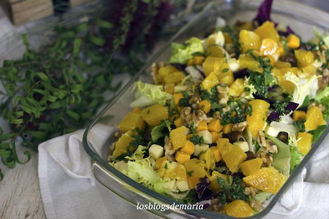 Ensalada de mango, queso y nueces a la vinagreta de miel