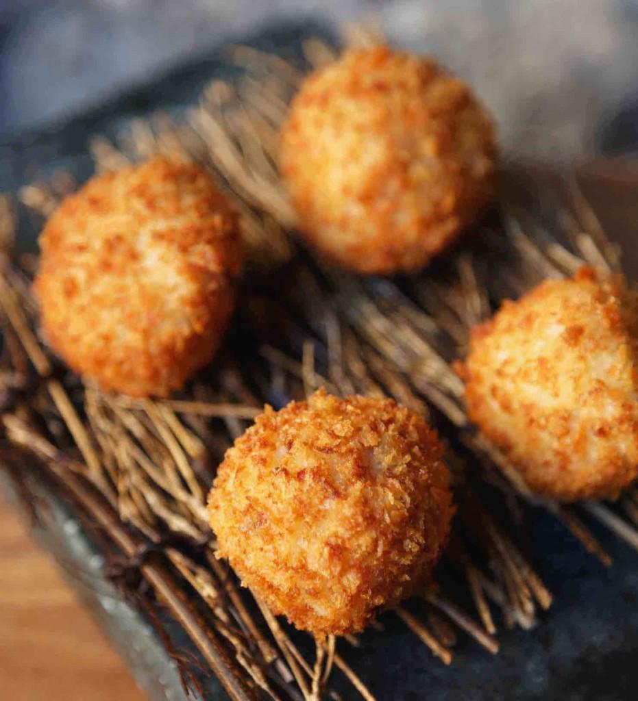 Un sencillo plato que siempre triunfa: las croquetas de jamón