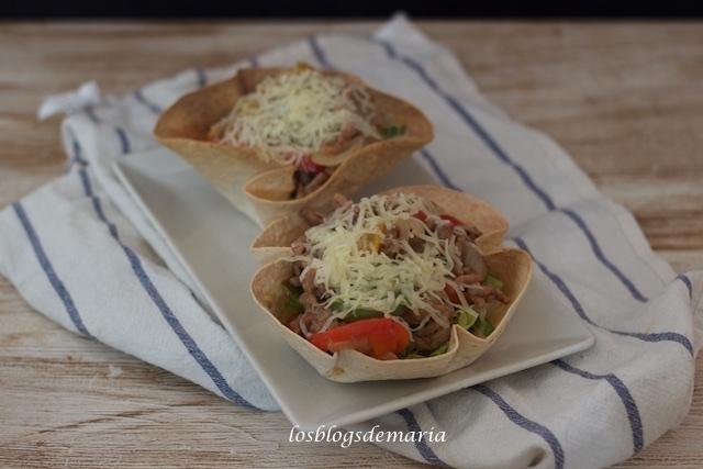 Burritos en cestas de torta de trigo
