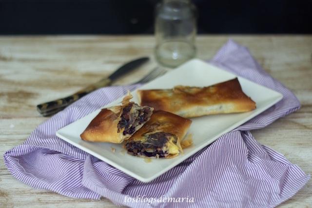 Rollitos de pasta philo con col lombarda