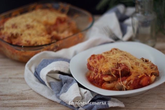 Pastel de coliflores y carne con tomate