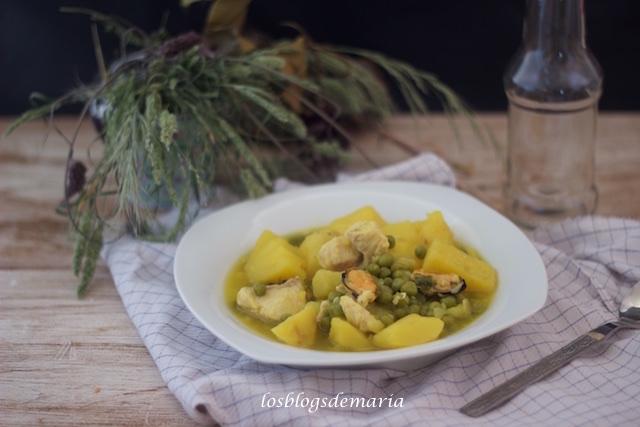Patatas con caella y mejillones en Cocotte
