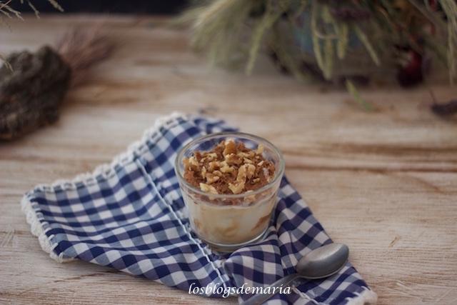 Helado de caramelo salado con crema de lotus y nueces