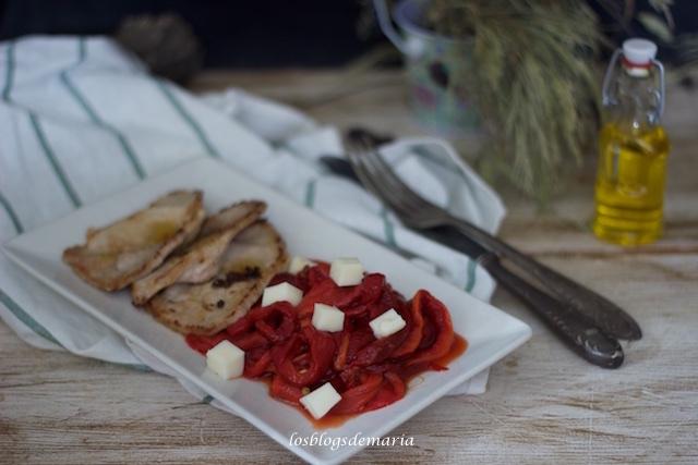Filetes de lomo con pimientos rojos asados