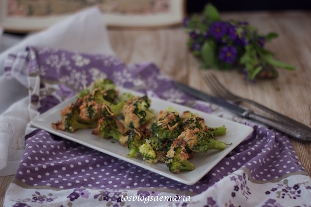 Brócolis al horno con frutos secos