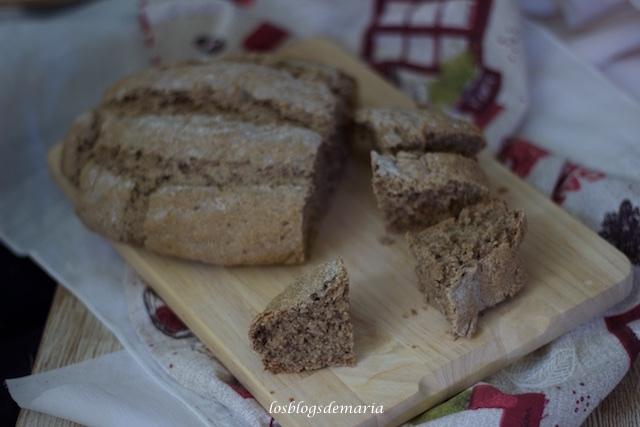 Pan integral con centeno