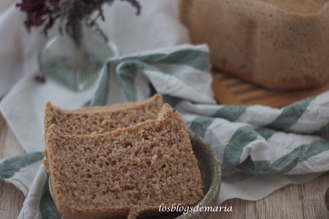 Pan de espelta, centeno y trigo integral