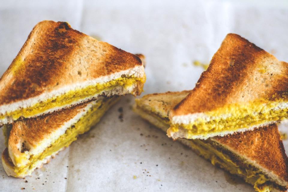 Sandwich de queso cheddar (vegano)