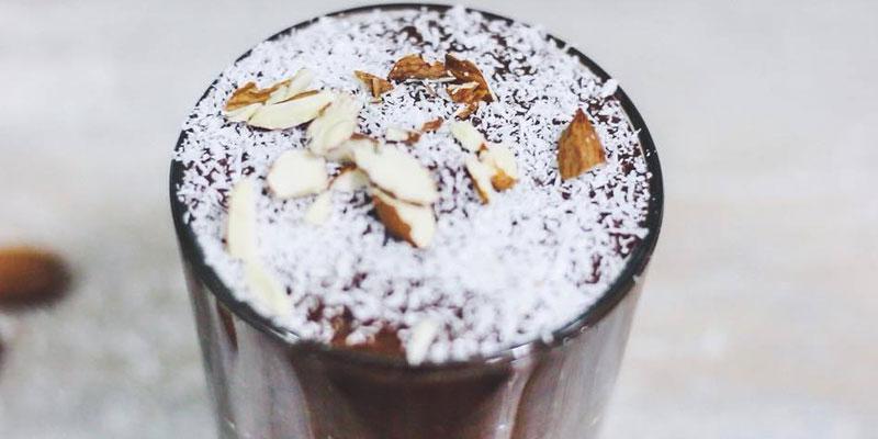 Mousse crudivegana de chocolate y banana