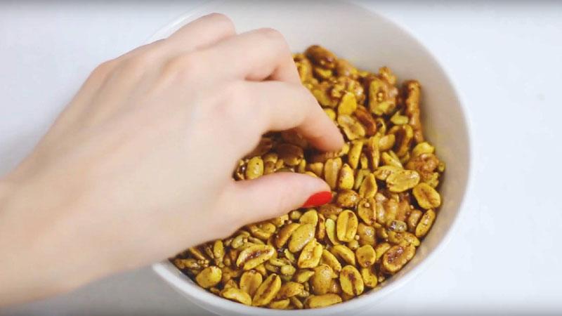 Snack crocante de maní y semillas