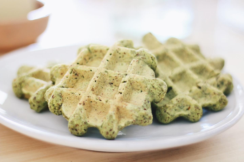Apto para todos: Waffles salados de harina de arvejas