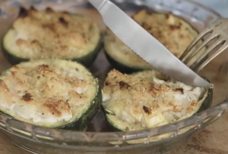 Calabacines rellenos con tofu y queso vegano