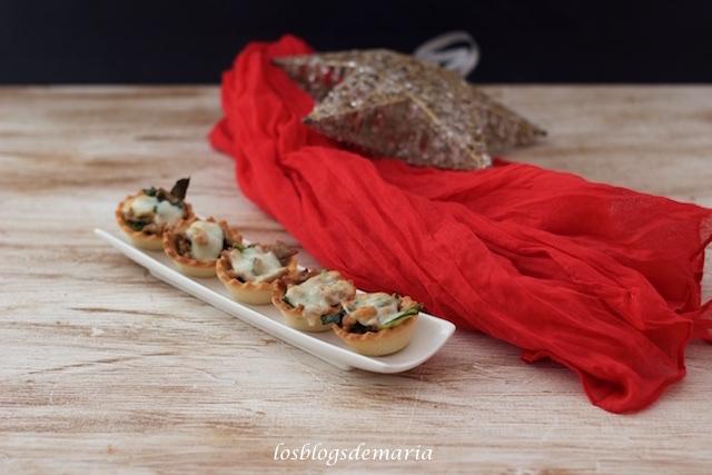 Canastillas de pollo, acelgas y espárragos